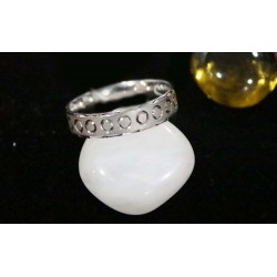 SILVER ROUND CURVED RING